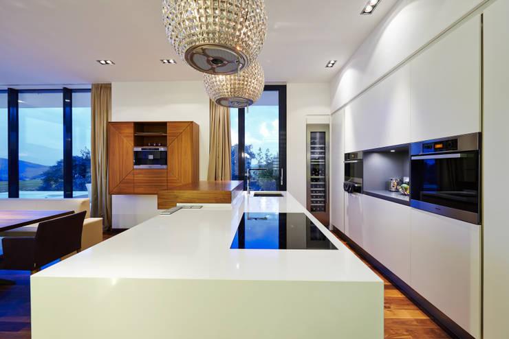Cocinas de estilo moderno de ZHAC / Zweering Helmus Architektur+Consulting