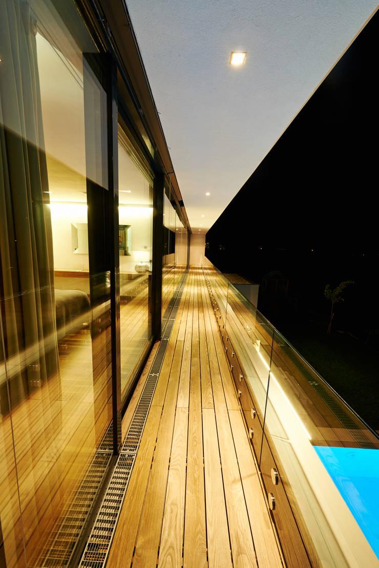by ZHAC / Zweering Helmus Architektur+Consulting Modern Wood Wood effect