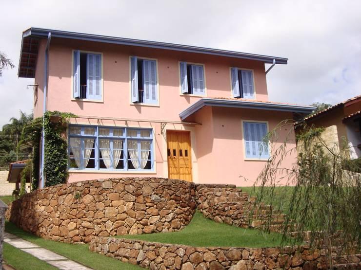 Casas de estilo  por Bia Maia & Guta Carvalho Arquitetura, Design e Paisagismo