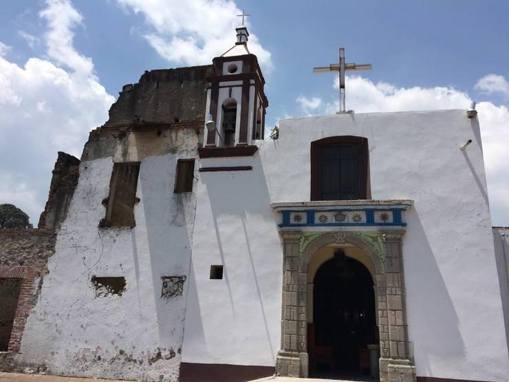 Conjunto Parroquial San Diego De Alcala: Casas de estilo  por Taller Esencia
