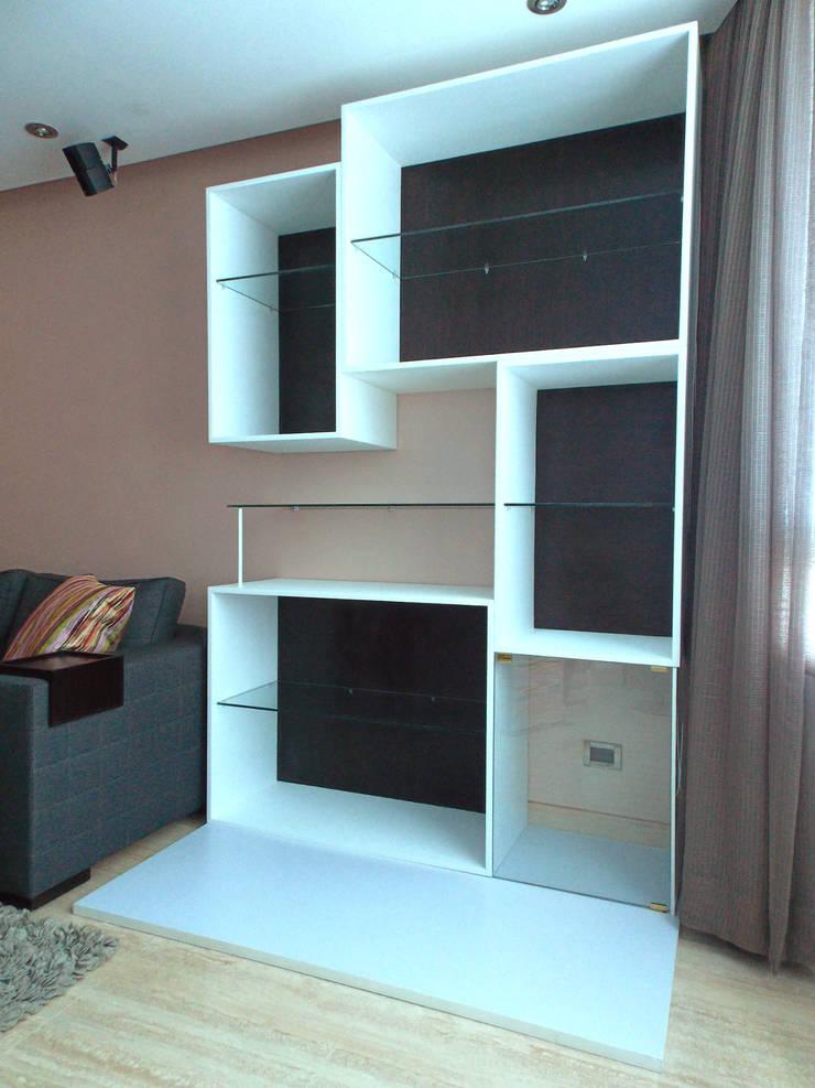 Mueble Vitrina: Salas/Recibidores de estilo  por TRIBU ESTUDIO CREATIVO