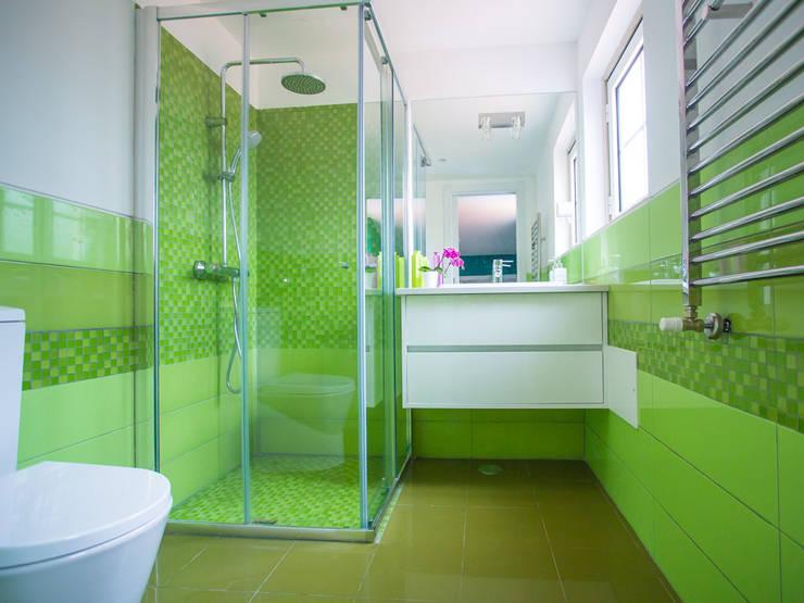 A casa de banho Acqua e Herbal: Casas de banho  por Architect Your Home