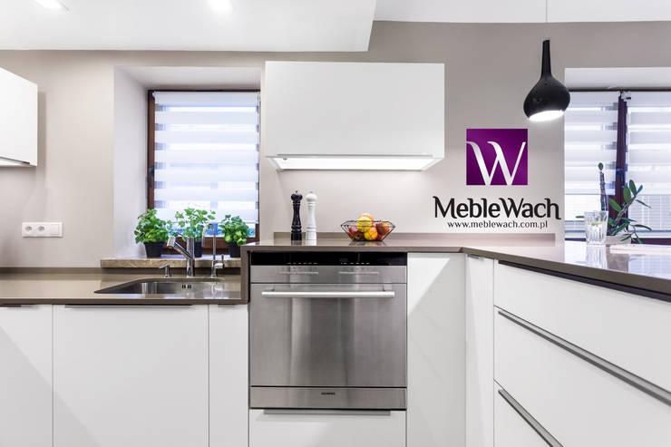 Cozinha  por MEBLE WACH