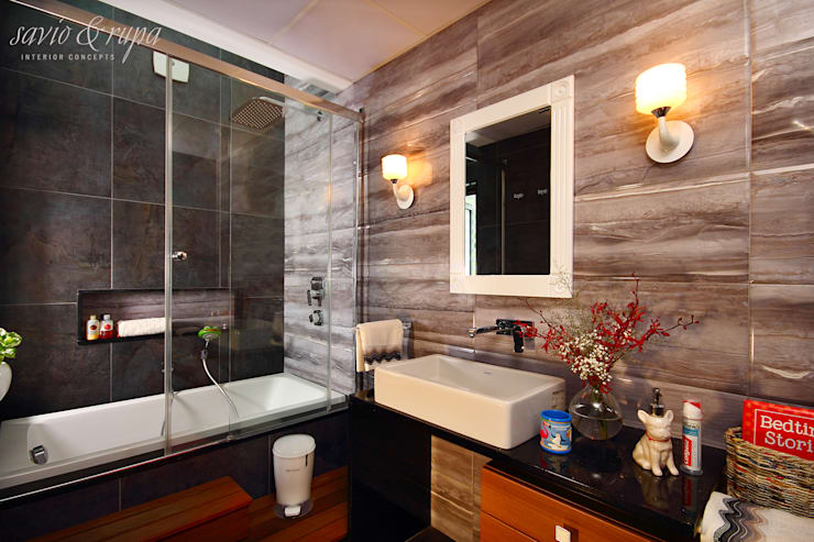 Baños de estilo escandinavo por Savio and Rupa Interior Concepts