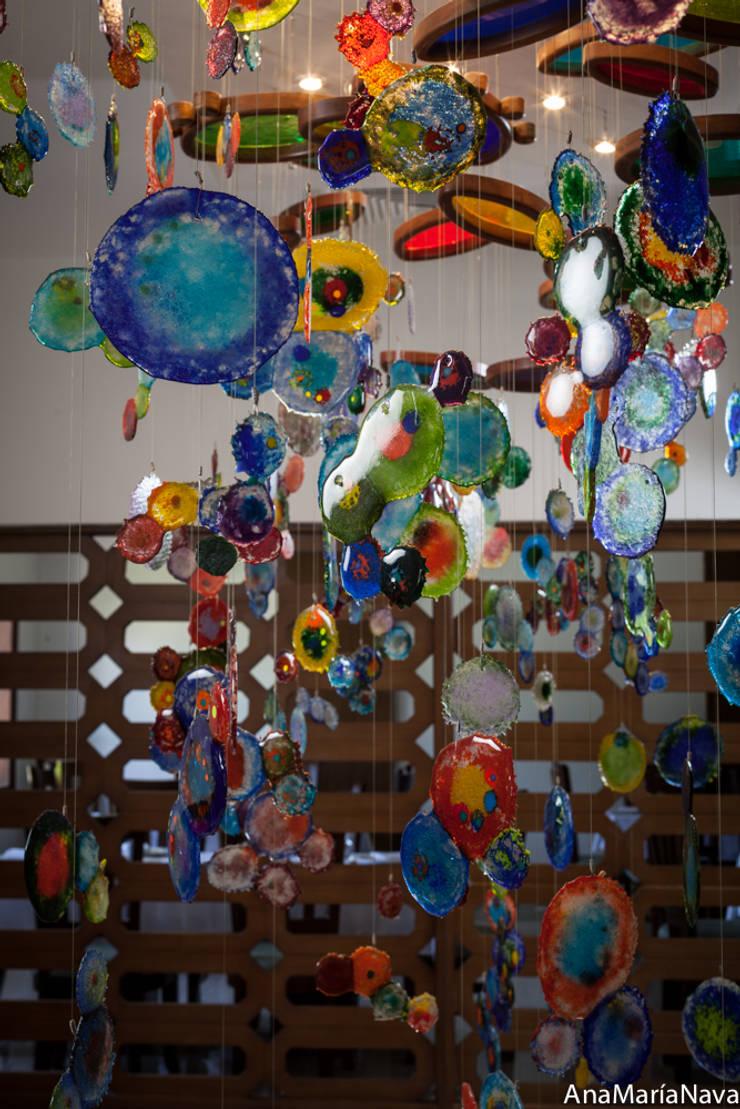 MAR DE MEDUSAS: Restaurantes de estilo  por Ana Maria Nava Glass