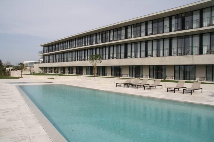 HOTEL MONTEBELO VISTA ALEGRE: Hotéis  por Habitat Arquitectura Paisagista
