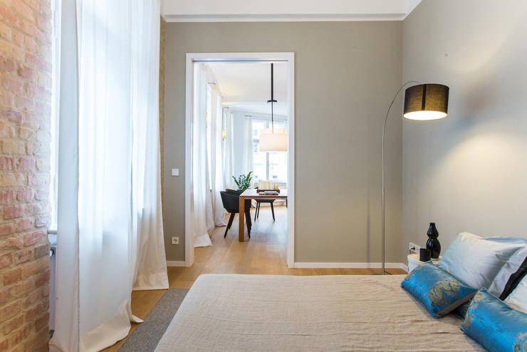 Gästezimmer. Guest room:  Schlafzimmer von CONSCIOUS DESIGN - INTERIORS