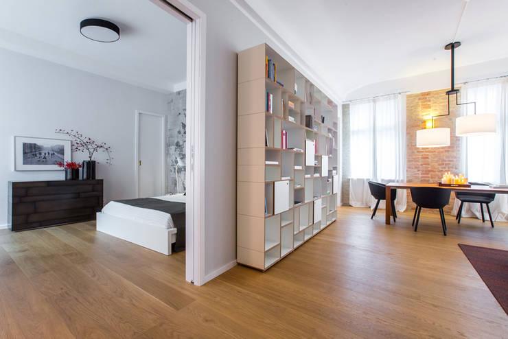 Salon de style  par CONSCIOUS DESIGN - INTERIORS