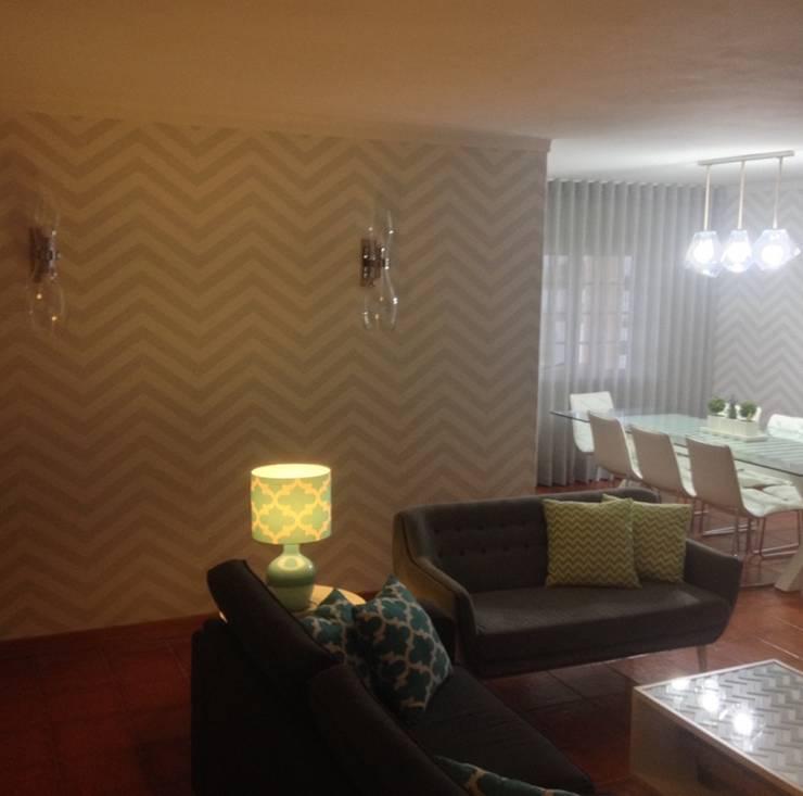 Decoração Integral – Sala de estar + Sala de jantar: Sala de estar  por Silvia Home Decor