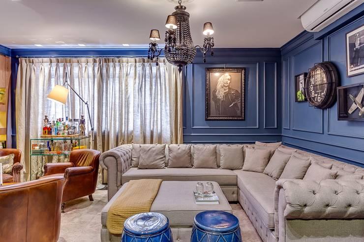 Living: Salas de estar  por Piloni Arquitetura