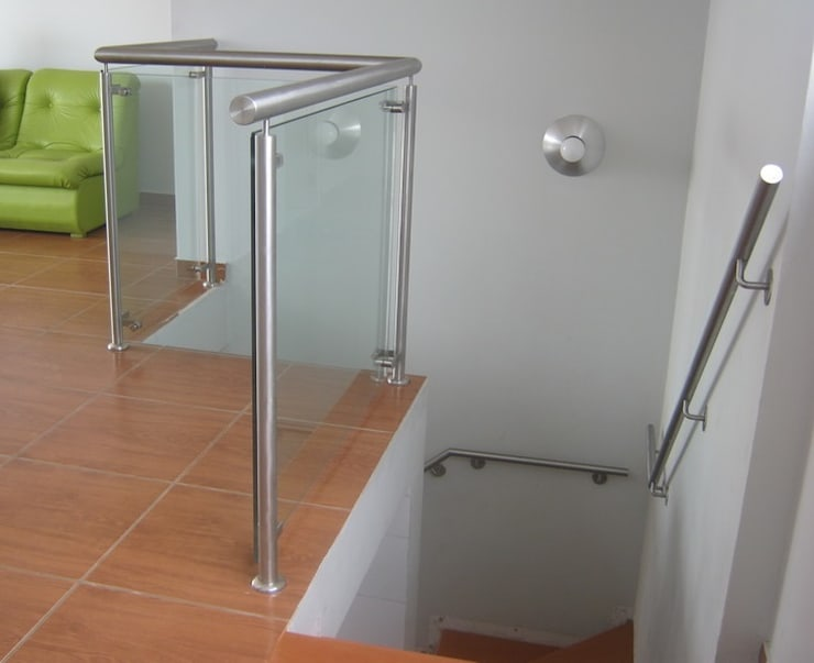 MODELO GLASS : Dormitorios de estilo  por POSAINOX, CA