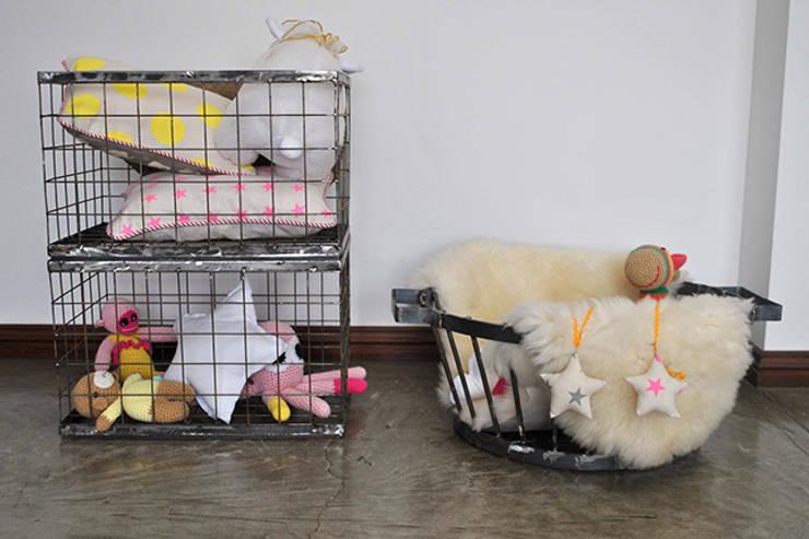 TRIZZ, el nuevo emprendimiento de tres hermanos arquitectos: Dormitorios infantiles  de estilo  por NotiArq