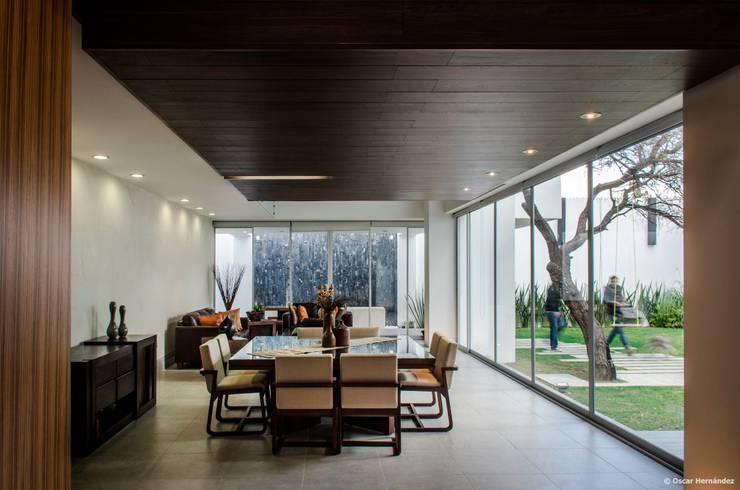 casaMEZQUITE: Comedores de estilo  por BAG arquitectura
