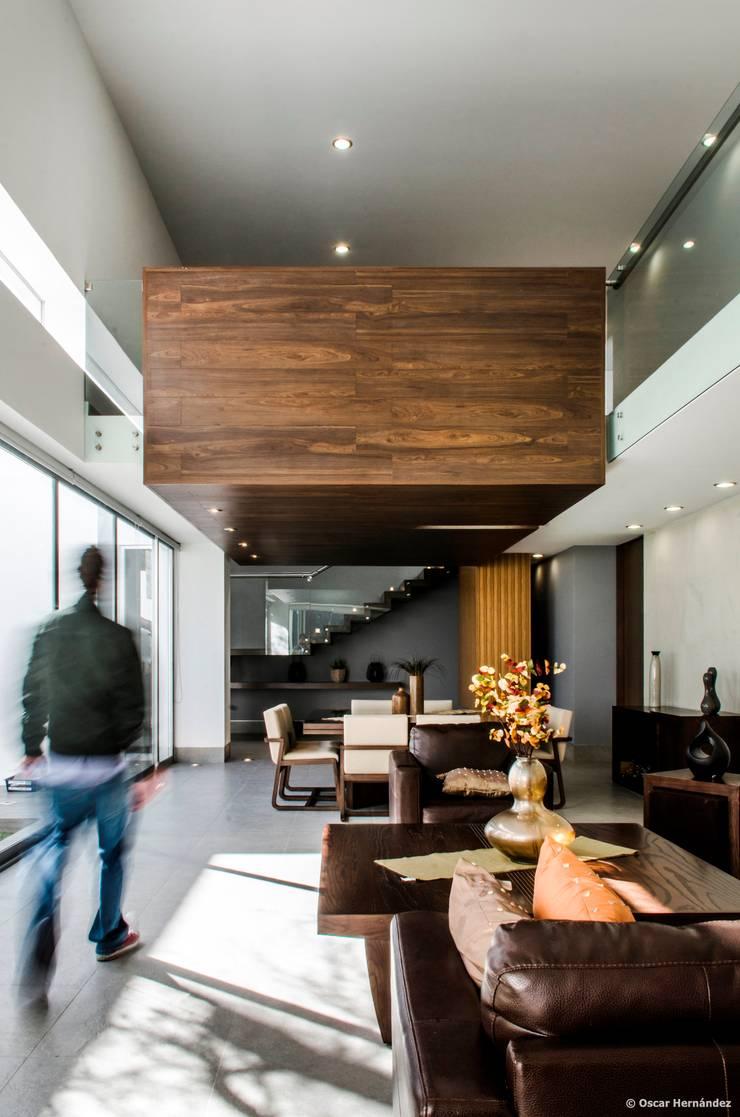 casaMEZQUITE: Salas de estilo  por BAG arquitectura