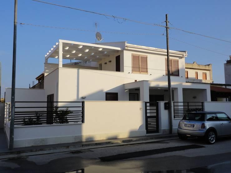 Casas de estilo  de Giuseppina PIZZO ,