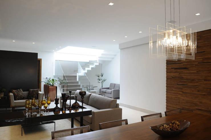 A/ZERO Arquitetura:  tarz Oturma Odası