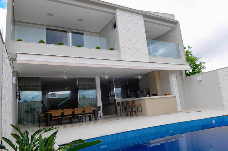 Terrace by A/ZERO Arquitetura