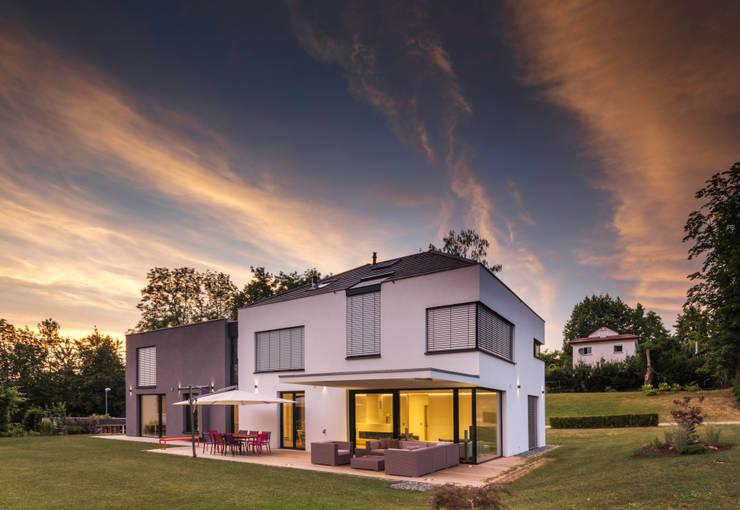 Projekty, nowoczesne Domy zaprojektowane przez Schiller Architektur BDA