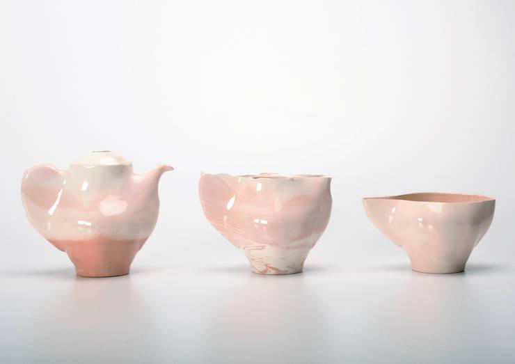 Teapot'set (Bule + Leiteira + Chávena ): Arte  por João Abreu Valente