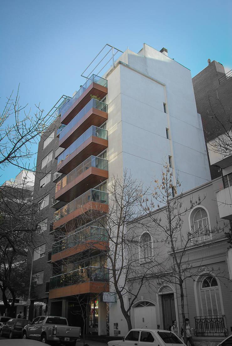 FOTO EXTERIOR: Casas de estilo  por CCMP Arquitectura