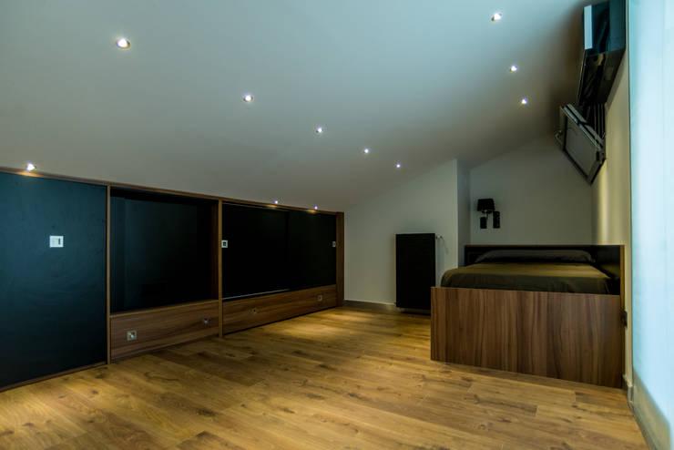 Ático Duplex, Reforma integral: Dormitorios de estilo  de Molina Decoración