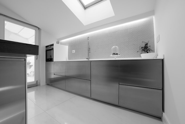 Kitchen by Mario Ferrara