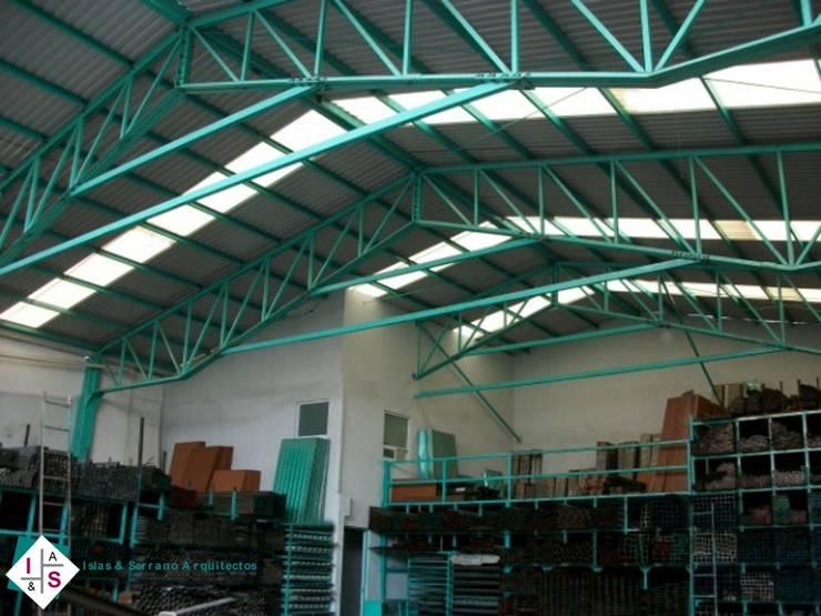 Bodega Industrial Ferretera El Palmar:  de estilo  por ISLAS & SERRANO ARQUITECTOS