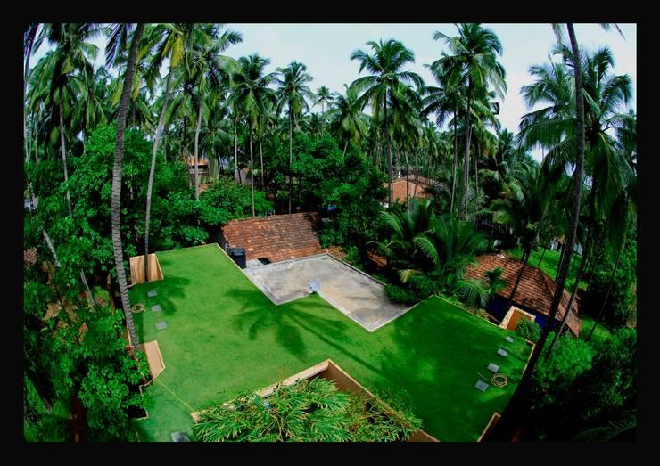 Bird's eye view of the terrace:  Terrace by GDKdesigns,Minimalist