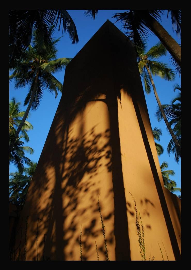 Over head water tank:  Houses by GDKdesigns,Minimalist