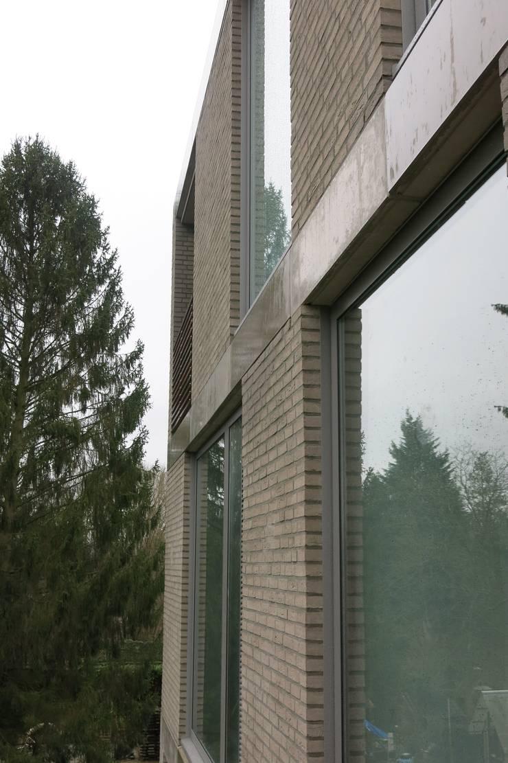 Diepengaerde  Valkenburg Lb:  Huizen door DI-vers architecten - BNA