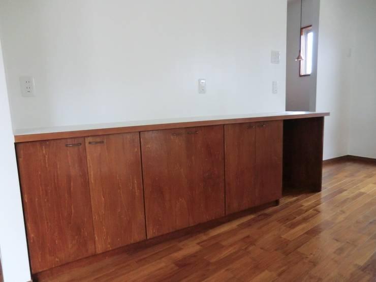 modern  by (株)スペースデザイン設計(一級建築士事務所), Modern Wood Wood effect