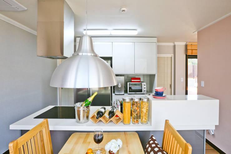 Кухни в . Автор – 한글주택(주)