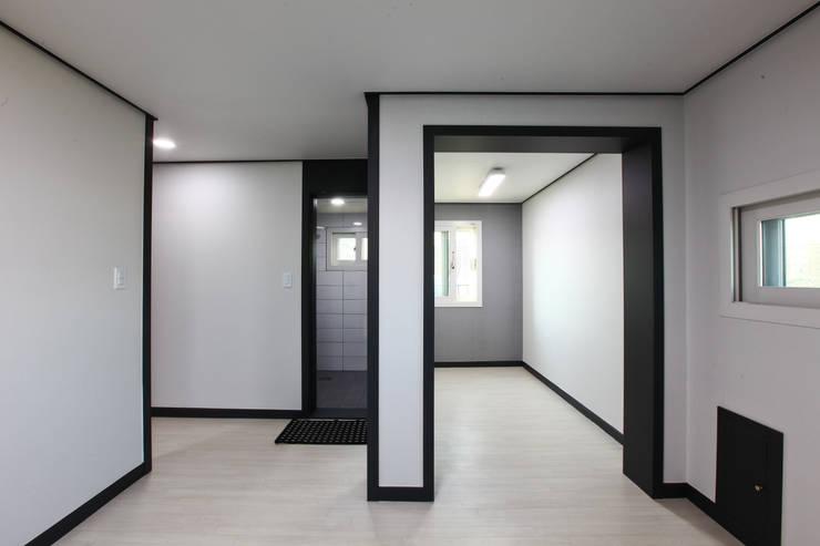 전원주택으로도 손색없는 다가구주택 [경기도 성남 시흥]: 한글주택(주)의  거실