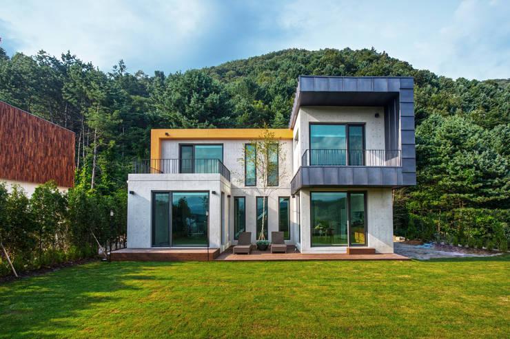Casas de estilo  por 한글주택(주)