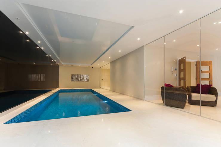 Swimming Pools:  Pool by Aqua Platinum Projects, Classic