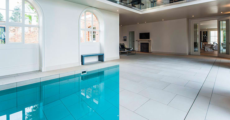 Swimming Pool to Entertainment Hall:  Pool by Aqua Platinum Projects, Classic