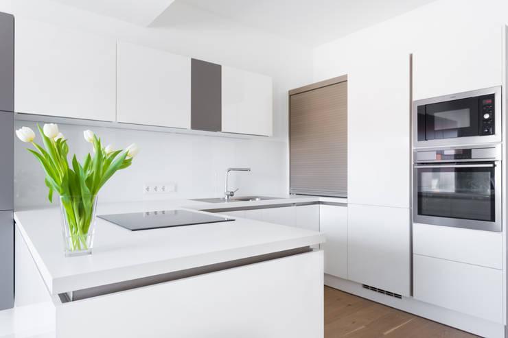 Kitchen by Raumausstattung Anton Meyer