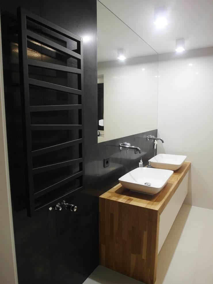 jesienna - łazienki: styl , w kategorii Łazienka zaprojektowany przez NaNovo ,Minimalistyczny Ceramiczny