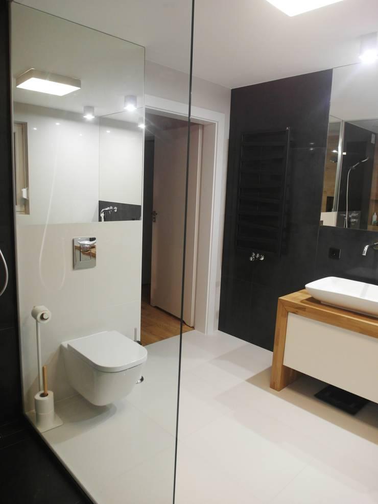 jesienna - łazienki: styl , w kategorii Łazienka zaprojektowany przez NaNovo ,Minimalistyczny