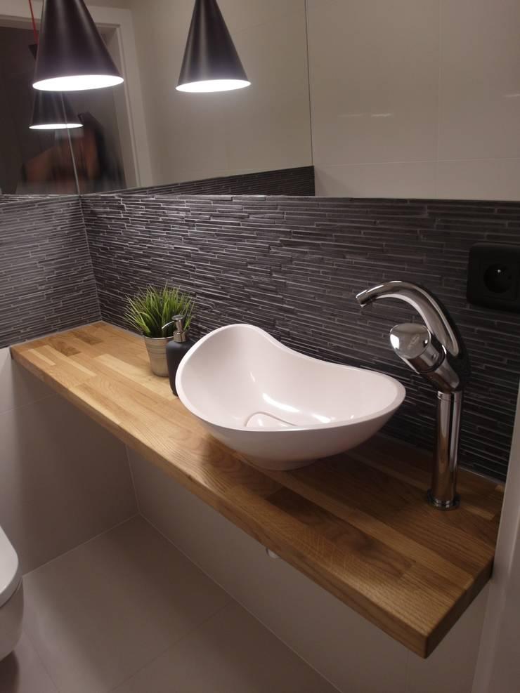 jesienna - łazienki: styl , w kategorii Łazienka zaprojektowany przez NaNovo ,Minimalistyczny Drewno O efekcie drewna
