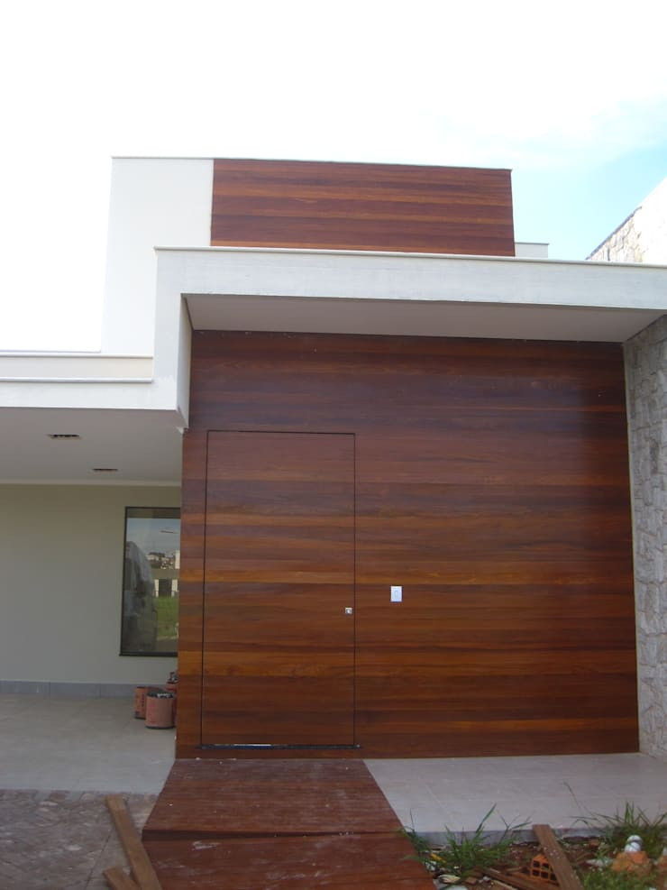 Front (Fachada frontal):  Houses by Tony Santos Arquitetura