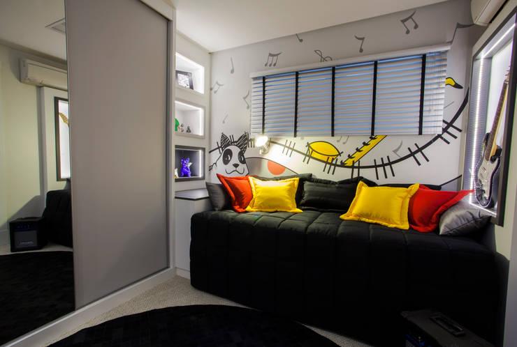Quarto de adolescente: Quartos  por Estúdio HL - Arquitetura e Interiores