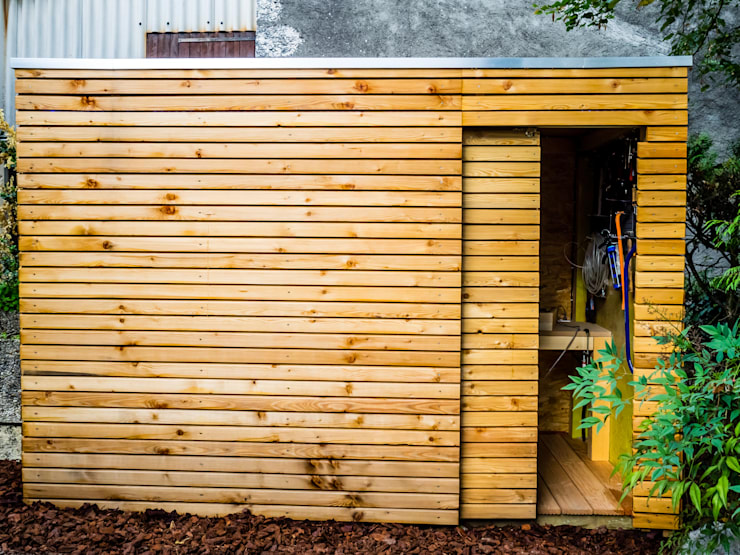 Jardines de invierno de estilo moderno por Kalpana Solutions