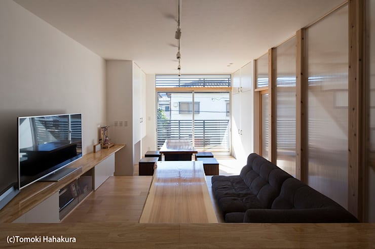 I Live Architects/田辺弘幸建築設計事務所의  거실