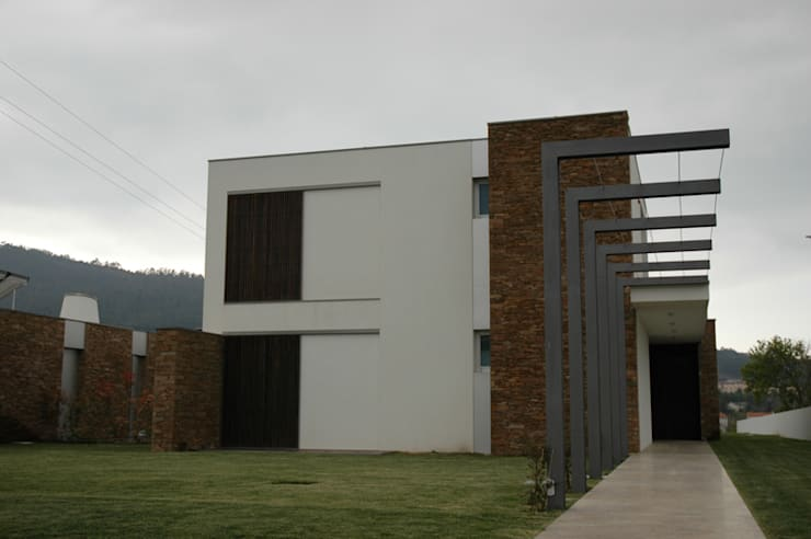 Houses by BLK-Porto Arquitectura