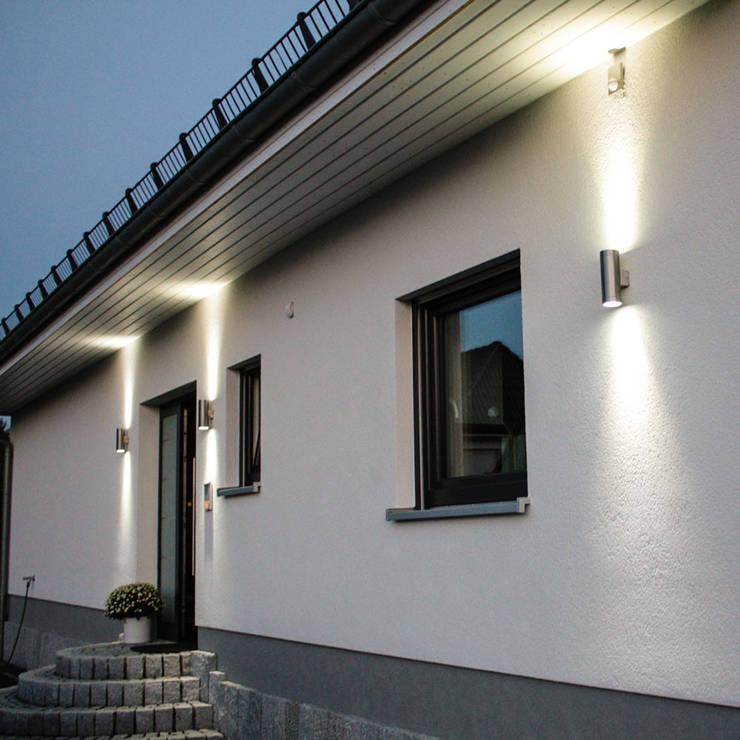 Balcones y terrazas de estilo  por Licht-Design Skapetze GmbH & Co. KG