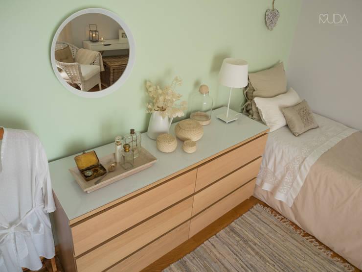 Quarto Sonho | Depois: Quartos ecléticos por MUDA Home Design