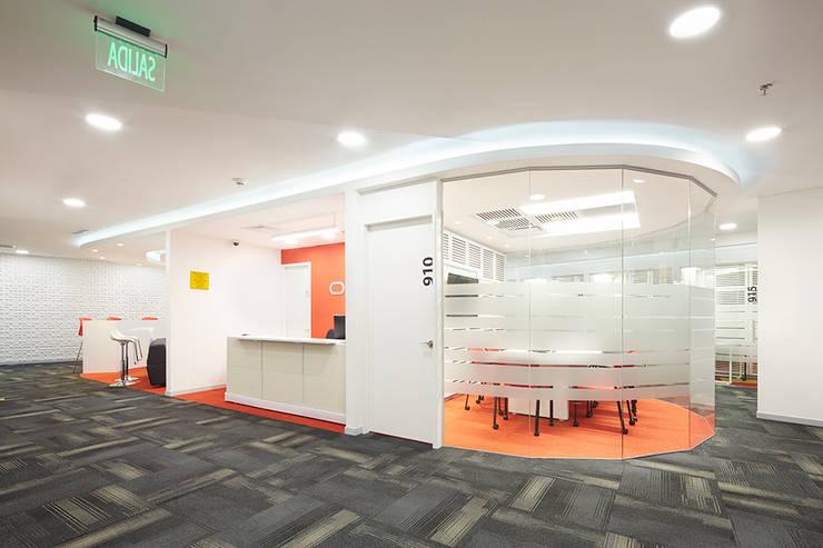 Oracle: Oficinas y Tiendas de estilo  por Arquint Colombia