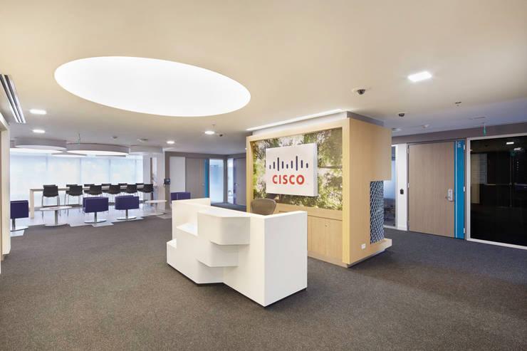 Cisco: Oficinas y Tiendas de estilo  por Arquint Colombia