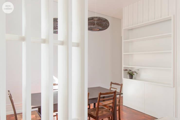 Remodelação de apartamento Avenidas Novas, Lisboa: Salas de jantar  por Matos + Guimarães Arquitectos